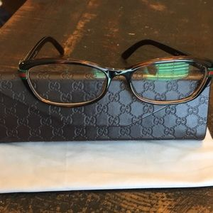 Gucci eyeglasses/with case